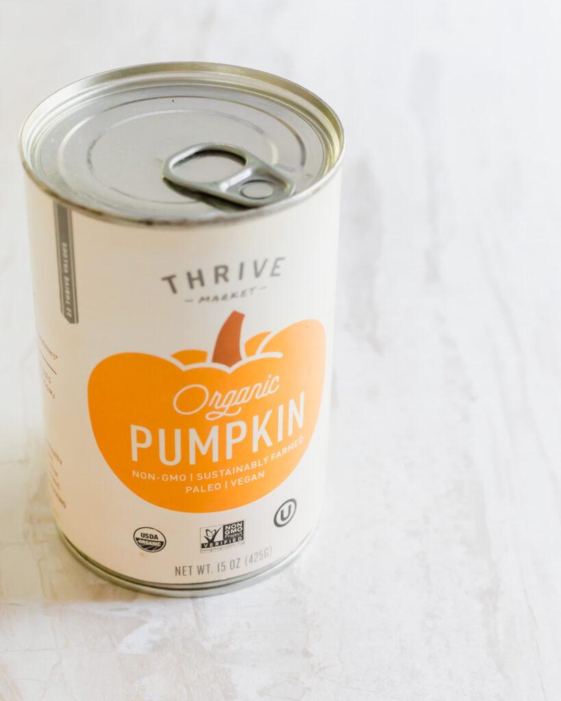 Can of organic pumpkin puree.